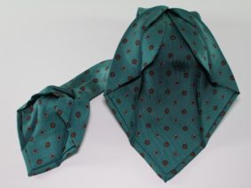 Seven fold silk twill tie - green