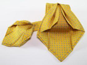 Cravatta sette pieghe in seta twill gialla