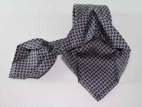 Cravatta sette pieghe in seta twill blu