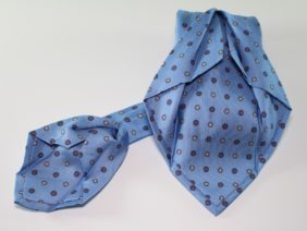 Seven fold silk twill tie - light blue