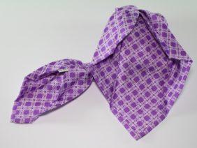 Cravatta sette pieghe in seta twill viola