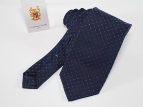 cravatta in seta tinta in filo