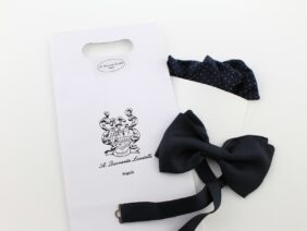 Silk bow tie with pocket handkerchief